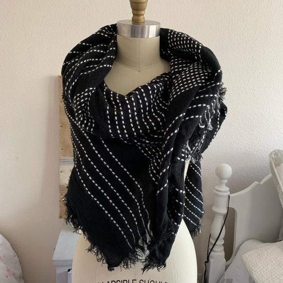 Zara Accessories - Zara Huge Scarf or Wrap (h)